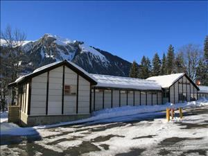 /524/Thumb/mittel_Ansicht2_Mountain_Lodge_Lenk.jpg