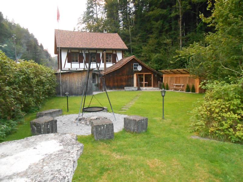 Partyhaus Neugüetli Steinenbach Sternenberg Schweiz
